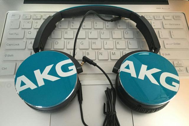 AKG_Y50_09.jpg