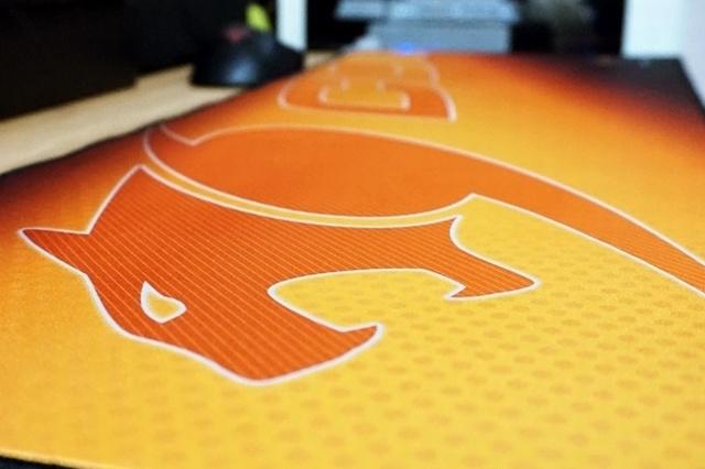 Cougarの超大型ゲーミングマウスパッド『arena』 ヲチモノ