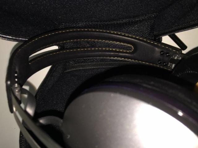 MOMENTUM_On-Ear_Wireless_06-.jpg