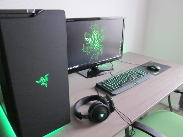 PC-Desk_Razer10_38.jpg