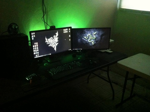 PC-Desk_Razer10_91.jpg