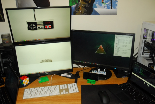 PC_Desk_MultiDisplay58_27.jpg