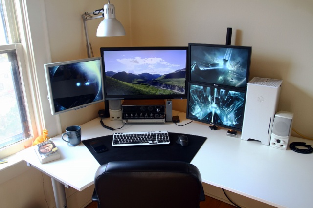 PC_Desk_MultiDisplay58_53.jpg