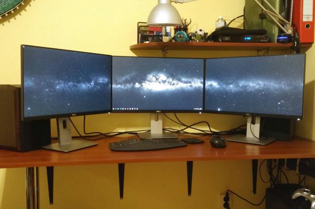 PC_Desk_MultiDisplay59_08.jpg