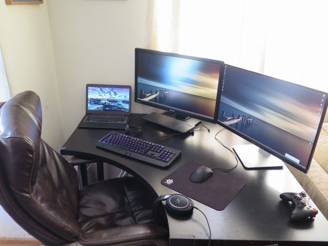 PC_Desk_MultiDisplay59_100.jpg