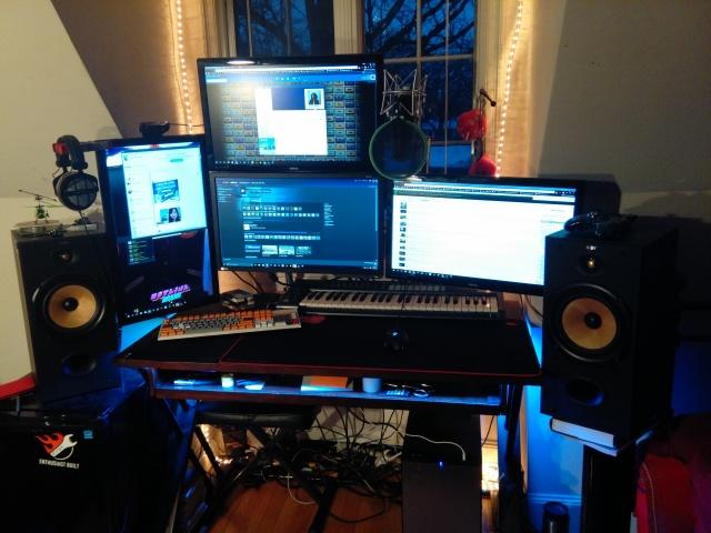 PC_Desk_MultiDisplay59_16.jpg