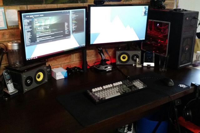 PC_Desk_MultiDisplay59_18.jpg
