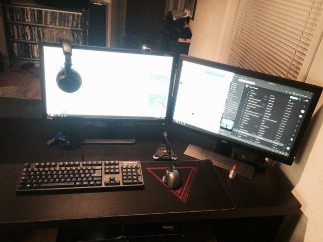 PC_Desk_MultiDisplay59_21.jpg