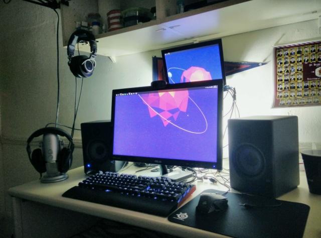 PC_Desk_MultiDisplay59_52.jpg