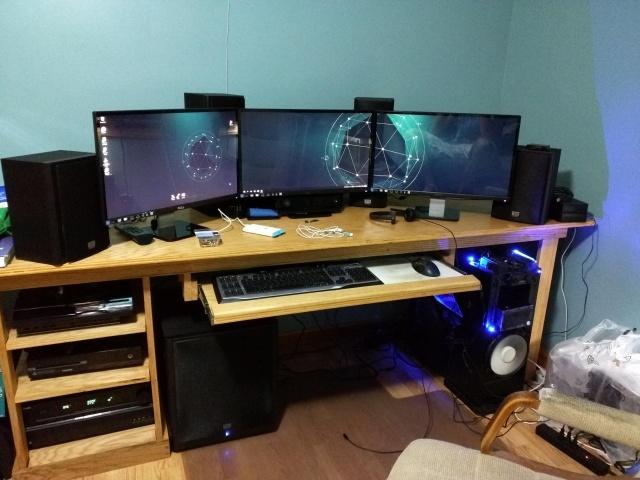 PC_Desk_MultiDisplay59_53.jpg