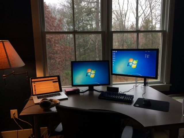 PC_Desk_MultiDisplay59_58.jpg