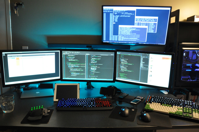PC_Desk_MultiDisplay59_65.jpg