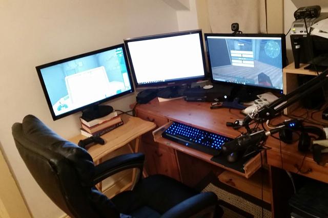 PC_Desk_MultiDisplay59_73.jpg