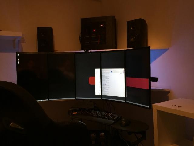 PC_Desk_MultiDisplay60_02.jpg