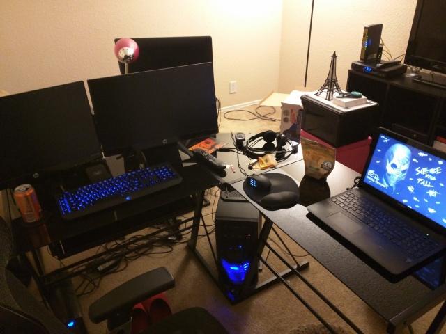 PC_Desk_MultiDisplay60_06.jpg