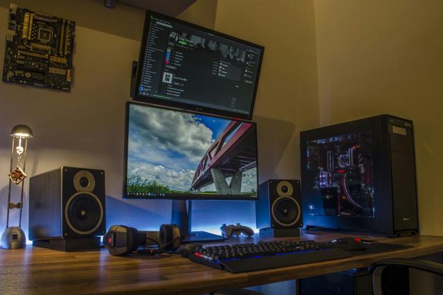 PC_Desk_MultiDisplay60_20.jpg