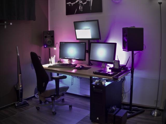 PC_Desk_MultiDisplay60_36.jpg
