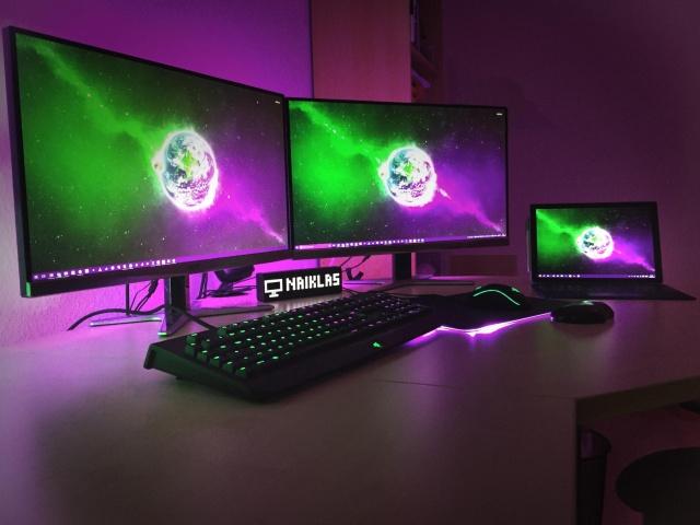 PC_Desk_MultiDisplay60_59.jpg