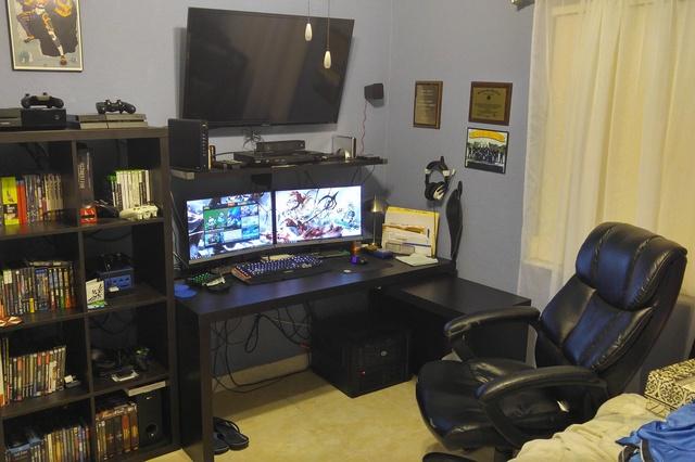 PC_Desk_MultiDisplay60_73.jpg