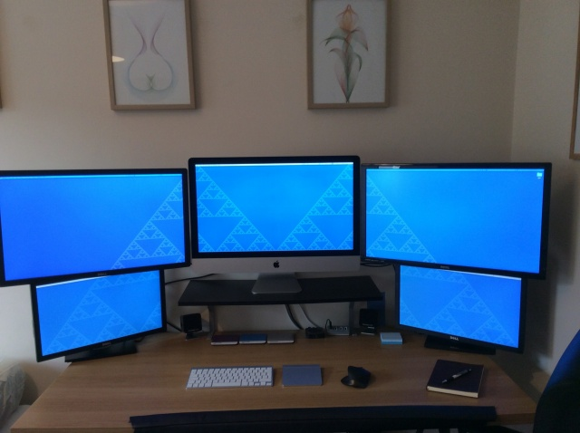 PC_Desk_MultiDisplay60_76.jpg