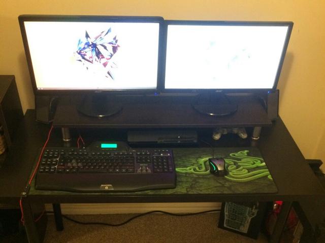 PC_Desk_MultiDisplay60_84.jpg