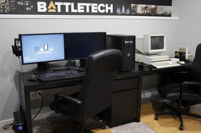 PC_Desk_MultiDisplay61_14.jpg