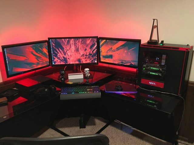 PC_Desk_MultiDisplay61_18.jpg
