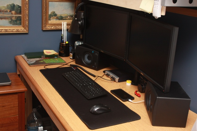 PC_Desk_MultiDisplay61_44.jpg