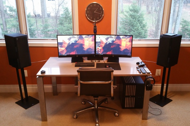 PC_Desk_MultiDisplay61_67.jpg