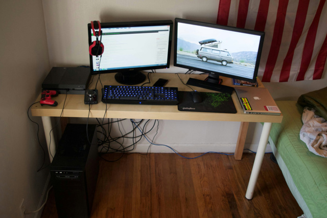 PC_Desk_MultiDisplay62_06.jpg