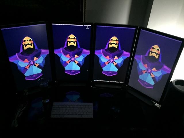 PC_Desk_MultiDisplay62_10.jpg