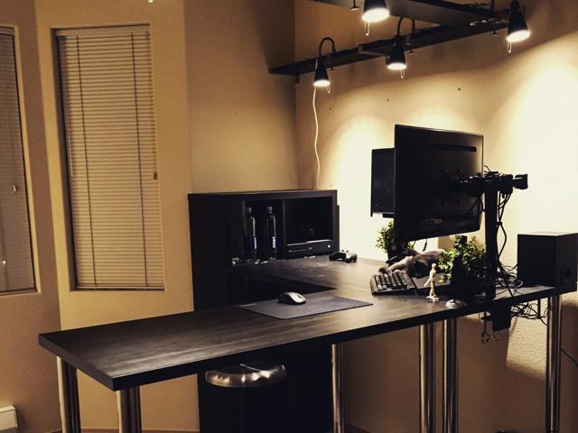 PC_Desk_MultiDisplay62_12.jpg