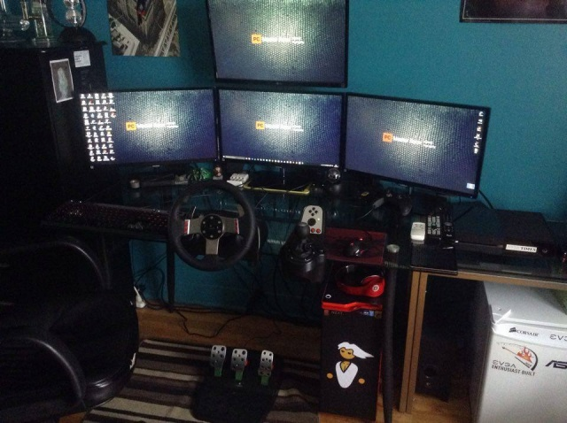 PC_Desk_MultiDisplay62_13.jpg