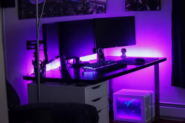 PC_Desk_MultiDisplay62_18.jpg