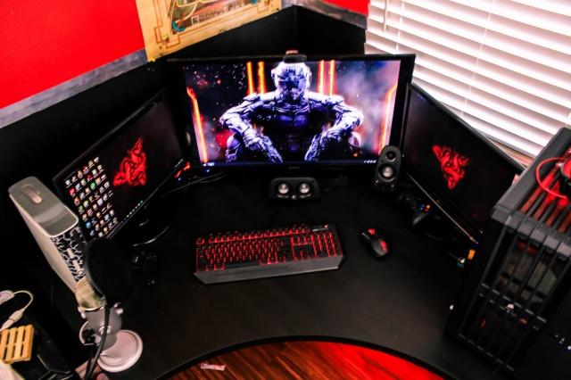 PC_Desk_MultiDisplay62_21.jpg