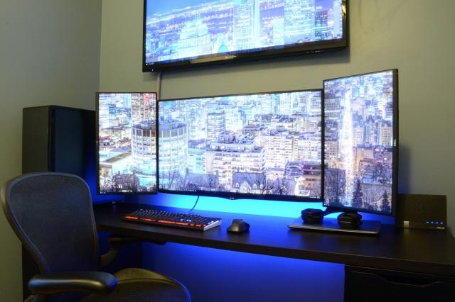 PC_Desk_MultiDisplay62_22.jpg