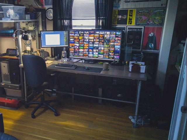 PC_Desk_MultiDisplay62_25.jpg