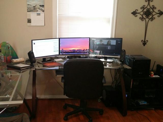 PC_Desk_MultiDisplay62_30.jpg