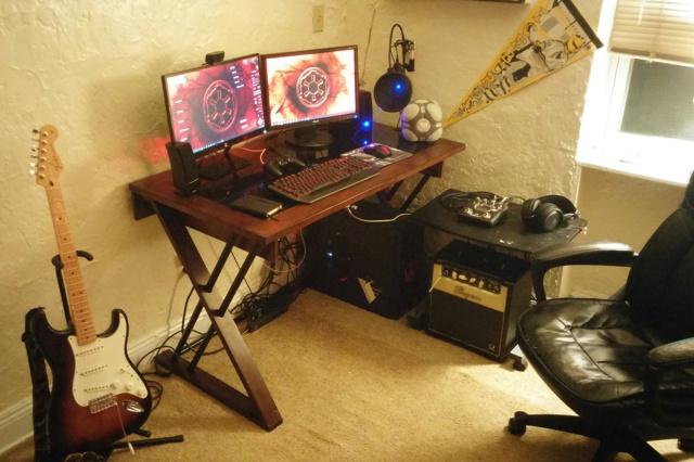 PC_Desk_MultiDisplay62_32.jpg