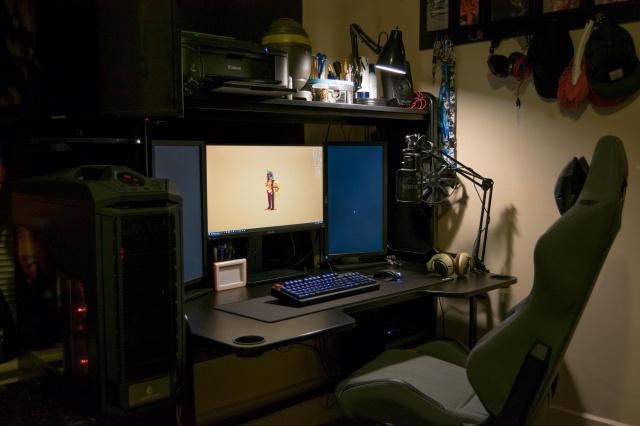PC_Desk_MultiDisplay62_42.jpg