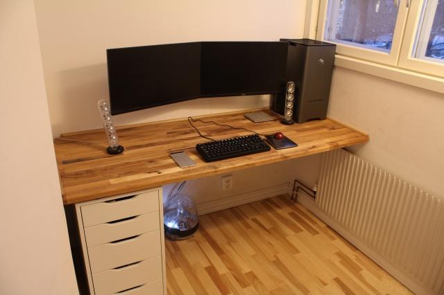 PC_Desk_MultiDisplay62_46.jpg