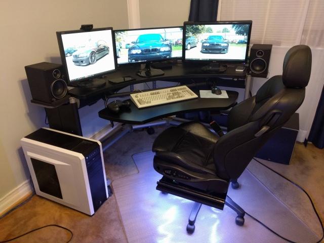 PC_Desk_MultiDisplay62_48.jpg