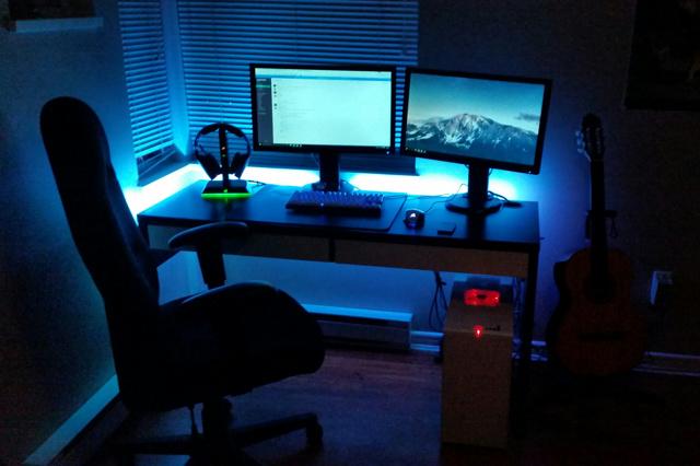 PC_Desk_MultiDisplay62_50.jpg
