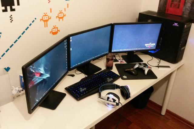 PC_Desk_MultiDisplay62_53.jpg