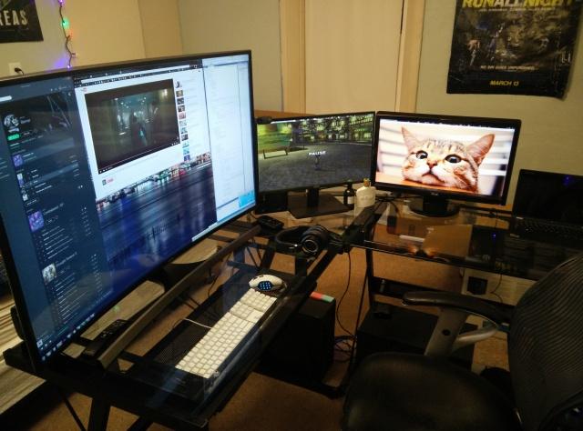 PC_Desk_MultiDisplay62_56.jpg