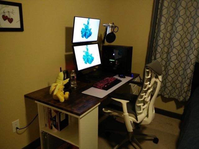 PC_Desk_MultiDisplay62_57.jpg