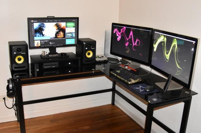 PC_Desk_MultiDisplay62_58.jpg