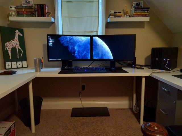 PC_Desk_MultiDisplay62_69.jpg