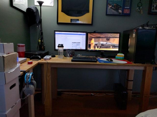 PC_Desk_MultiDisplay62_76.jpg