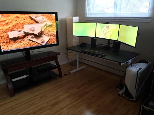 PC_Desk_MultiDisplay62_99.jpg